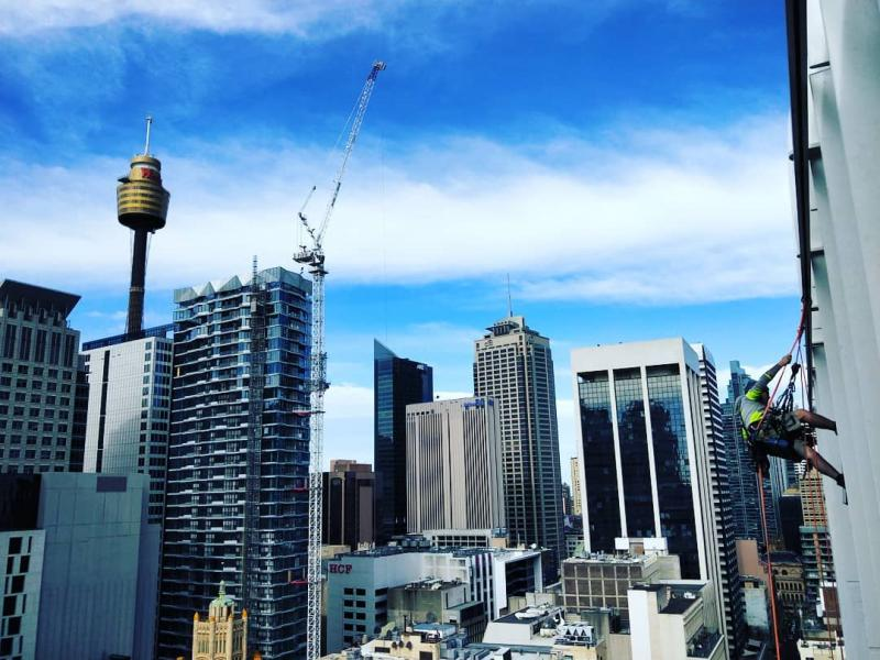 sydney abseil building maintenance